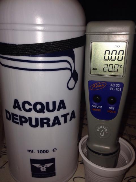 Acqua depurata o distillata confortevole soggiorno nella - Acqua depurata in casa ...