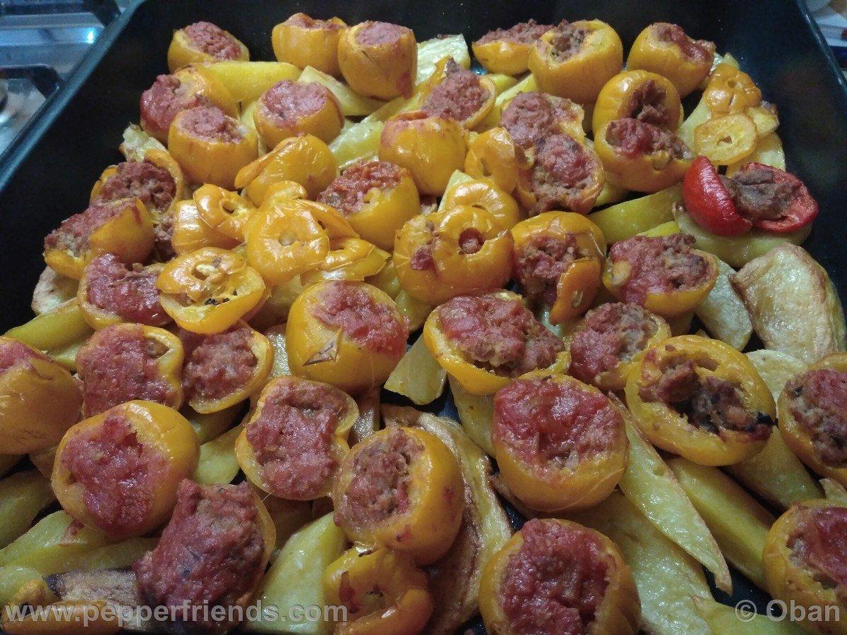 Rocoto Relleno Con Polpette Di Carne - 05.jpg